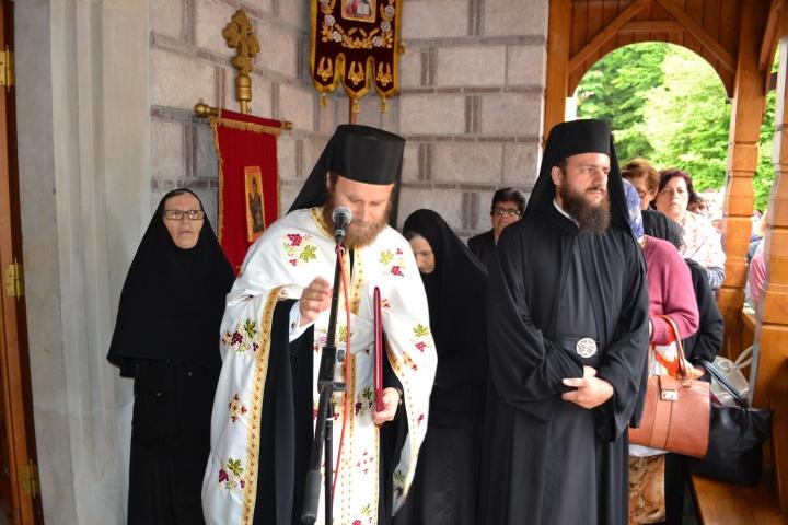 Bratstvo manastira Stuplje protosin]el Platon i jeromonah Georgije